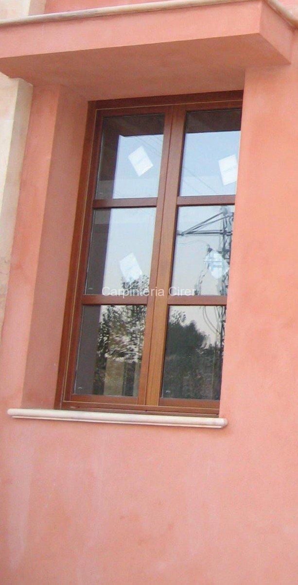 cirer madera ventana